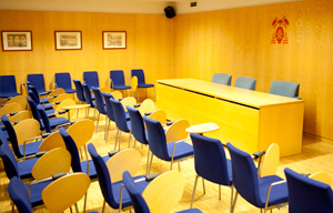 <ul> <li><a class=pdf href=http://www.uah.es/facultad-educacion/noticias/docs/calendario_elecciones_parciales_2015-16.pdf target=_blank>Calendario</a></li> <li><a class=pdf href=http://www.uah.es/facultad-educacion/noticias/docs/candidatura_individual_elecciones_parciales_2015-16.pdf target=_blank>Candidatura individual</a></li> <li><a class=pdf href=http://www.uah.es/facultad-educacion/noticias/docs/candidatura_colectiva_elecciones_parciales_2015-16.pdf target=_blank>Candidatura colecitva</a></li> </ul>