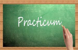 <div style=margin: 0px; padding: 0px; border: 0px; font: inherit; vertical-align: baseline; color: inherit;>Os informamos de que ya se ha colgado la oferta de plazas para el Practicum para el curso 2021/22. El día 25 de octubre se llevará a cabo una reunión online para explicar el procedimiento de petición y asignación de plazas. Se enviará el enlace por correo electrónico.</div>  <div style=margin: 0px; padding: 0px; border: 0px; font: inherit; vertical-align: baseline; color: inherit;>Podeis encontrar toda la información en la web de la Facultad de Educación sección de prácticas externas:<a href=https://educacion.uah.es/estudiantes/practicas-externas.asp>https://educacion.uah.es/estudiantes/practicas-externas.asp</a></div>  <div style=margin: 0px; padding: 0px; border: 0px; font: inherit; vertical-align: baseline; color: inherit;></div>
